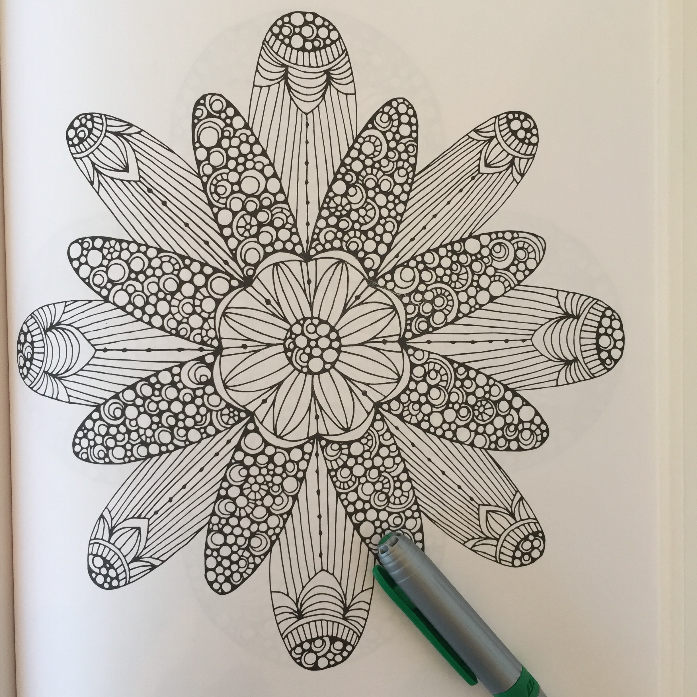 Creative Coloring Mandalas - 2 Old 2 Color